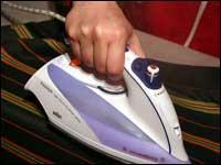 Energie und Strom sparen beim Bügeln der Wäsche