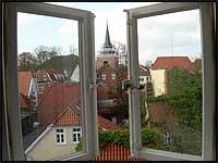 Energie sparen beim Lüften durch die Fenster.